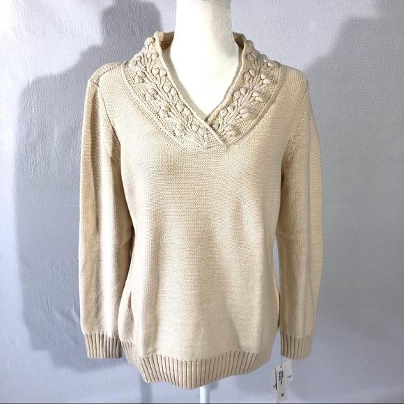172fae918e8 NWT Liz Claiborne Off White V Neck Sweater